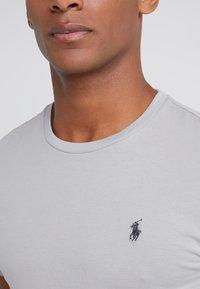 Polo Ralph Lauren - SLIM FIT - T-shirt basique - soft grey - 4