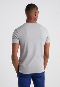 Polo Ralph Lauren - SLIM FIT - T-shirt basique - soft grey - 2