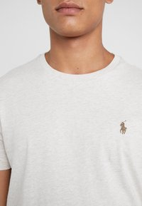 Polo Ralph Lauren - SLIM FIT - T-shirt basic - american heather - 5