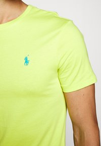 Polo Ralph Lauren - Jednoduché triko - bright pear - 7