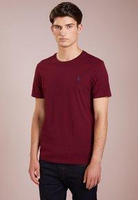 Polo Ralph Lauren - SLIM FIT - T-shirt basique - classic wine - 0