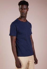 Polo Ralph Lauren - SLIM FIT - T-shirts - worth navy heathe - 0