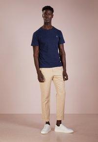 Polo Ralph Lauren - SLIM FIT - T-shirts - worth navy heathe - 1