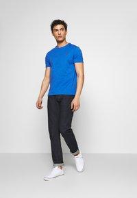 Polo Ralph Lauren - SLIM FIT - T-shirt basique - dockside blue - 1