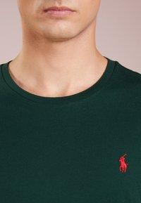 Polo Ralph Lauren - Jednoduché triko - college green - 4