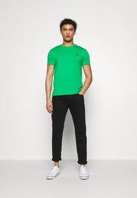 Polo Ralph Lauren - SLIM FIT - T-shirt basique - golf green - 1