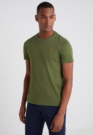 SLIM FIT - Basic T-shirt - supply olive