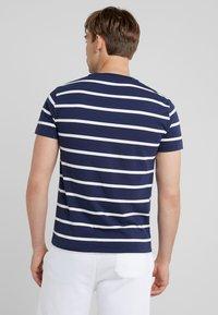 Polo Ralph Lauren - T-shirt z nadrukiem - newport navy - 2