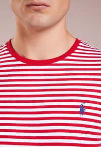 Polo Ralph Lauren - T-shirt imprimé - red/white - 4