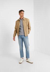 Polo Ralph Lauren - T-shirt z nadrukiem - nevis/newport navy - 1