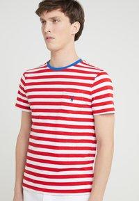 Polo Ralph Lauren - SLIM FIT - T-shirt print - cruise red/white - 4
