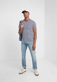 Polo Ralph Lauren - SLIM FIT - T-shirt imprimé - newport navy/white - 1