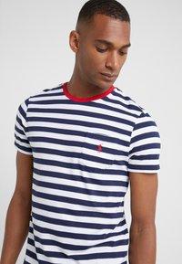 Polo Ralph Lauren - SLIM FIT - T-shirt imprimé - newport navy/white - 4