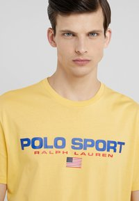 Polo Ralph Lauren - POLO SPORT - T-shirt con stampa - chrome yellow - 4