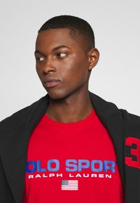 Polo Ralph Lauren - POLO SPORT - T-shirt imprimé - red - 3