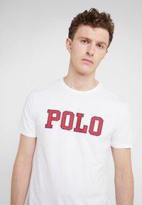 Polo Ralph Lauren - T-shirts med print - white - 4