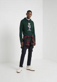 Polo Ralph Lauren - Sweat à capuche - college green - 1
