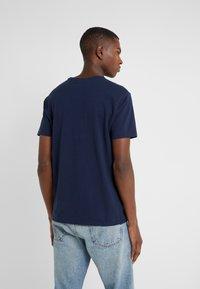 Polo Ralph Lauren - T-shirt z nadrukiem - cruise navy - 2