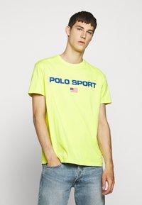 Polo Ralph Lauren - T-shirt imprimé - bright pear - 0