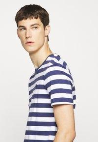 Polo Ralph Lauren - Print T-shirt - navy/white - 3