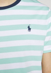 Polo Ralph Lauren - Print T-shirt - bayside green/white - 6