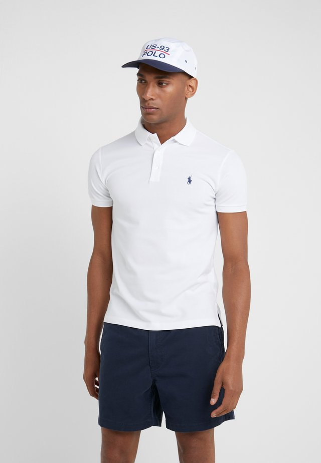 SLIM FIT MODEL - Poloshirt - white