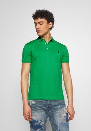 SLIM FIT MODEL - Polo shirt - tiller green
