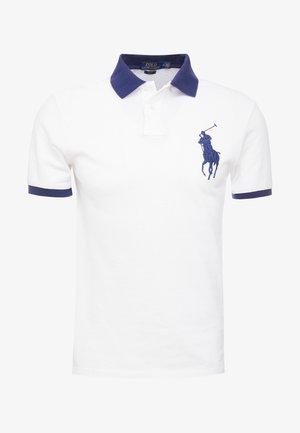 SLIM FIT - Poloskjorter - white