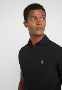 Polo Ralph Lauren - BASIC SLIM FIT - Polo shirt - black - 4