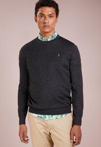 Polo Ralph Lauren - Jersey de punto - dark granite heat - 0