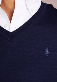 Polo Ralph Lauren - SLIM FIT - Strikpullover /Striktrøjer - hunter navy - 4