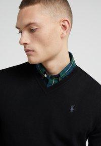 Polo Ralph Lauren - SLIM FIT - Jersey de punto - black - 4