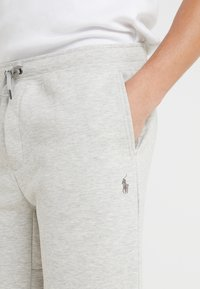 Polo Ralph Lauren - DOUBLE KNIT TECH-SHO - Shorts - sport heather - 4