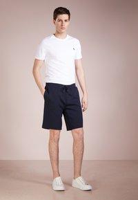 Polo Ralph Lauren - DOUBLE KNIT TECH-SHO - Shorts - aviator navy - 1