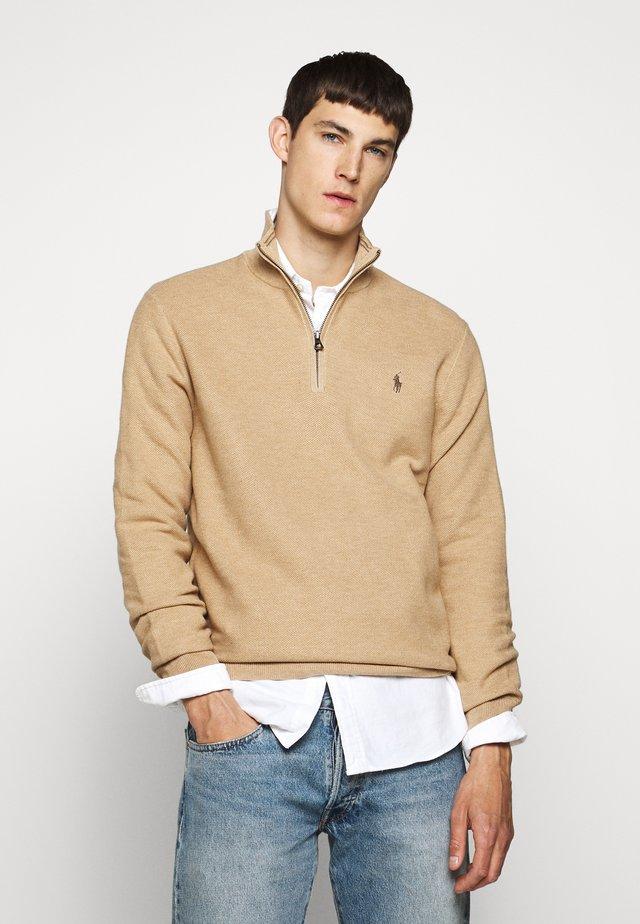 PIMA TEXTURE - Stickad tröja - camel melange