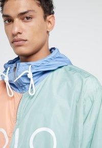 Polo Ralph Lauren - COLOR BLOCK - Giacca a vento - blue - 3