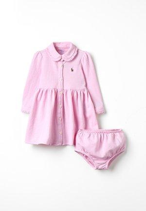 OXFORD BABY - Vardagsklänning - carmel pink