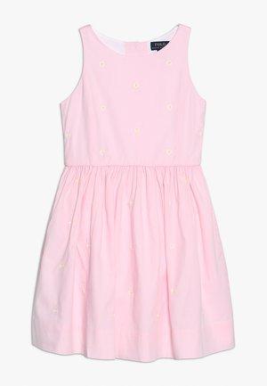 OXFORD SCHIFFLI  - Robe d'été - pink/white