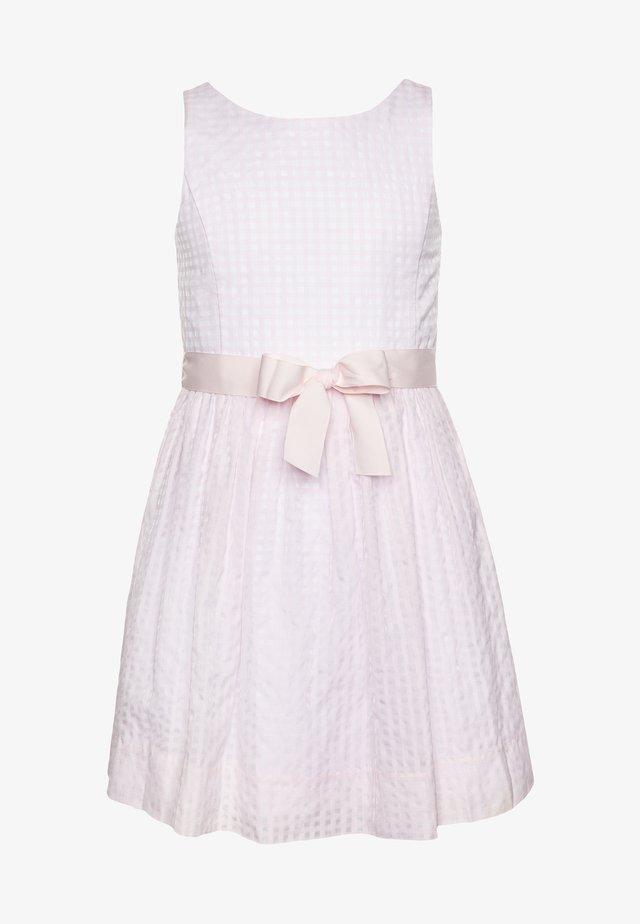 FIT DRESSES - Koktejlové šaty/ šaty na párty - delicate pink