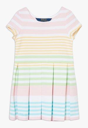 DRESSES - Pletené šaty - white multi