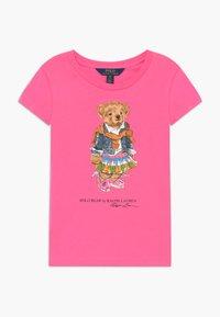 Polo Ralph Lauren - BEAR TEE - T-shirt z nadrukiem - baja pink - 0
