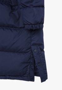 Polo Ralph Lauren - LONG CAP OUTERWEAR JACKET - Kabát zprachového peří - french navy - 4