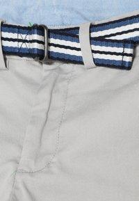 Polo Ralph Lauren - PREPPY BOTTOMS PANT - Chino kalhoty - light smoke - 2