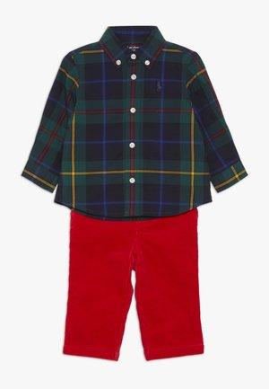 PLAID PANT SET - Spodnie materiałowe - green/navy multi
