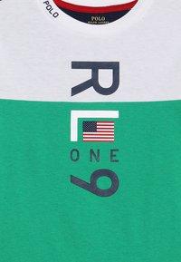 Polo Ralph Lauren - T-shirt med print - white - 3