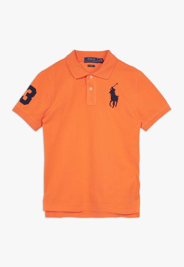 SLIM FIT - Poloshirt - bright signal orange