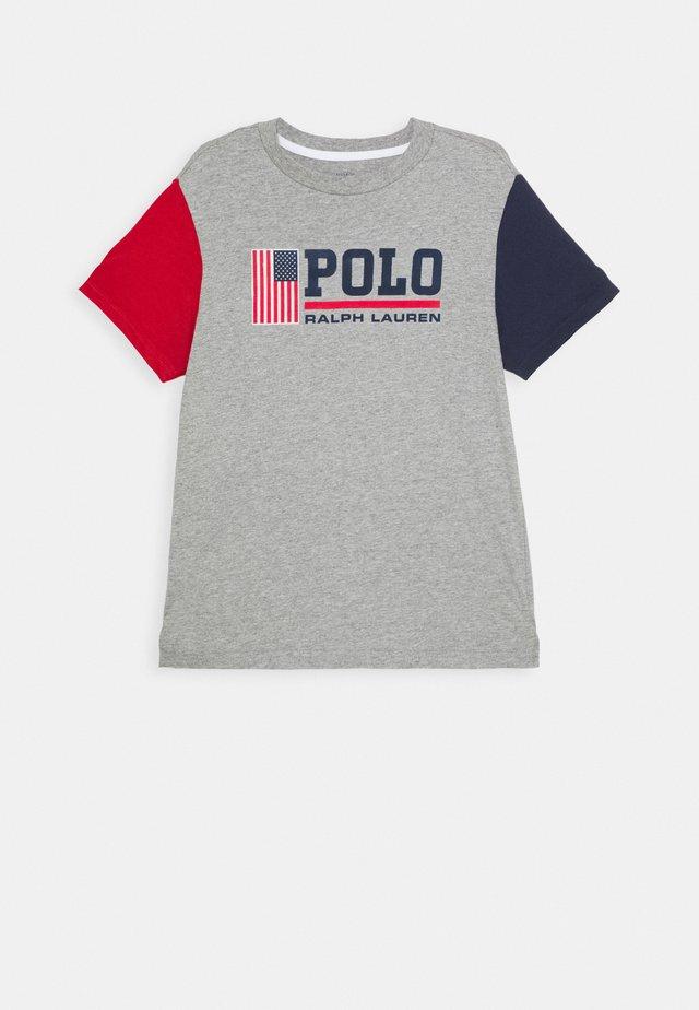 Camiseta estampada - andover heather