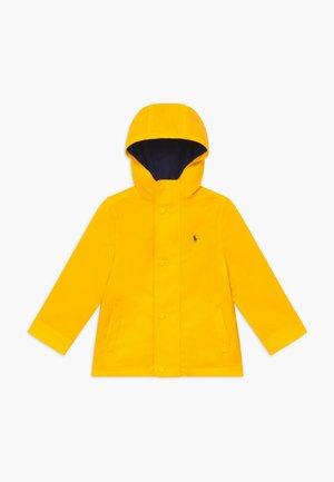 Impermeabile - yellow fin