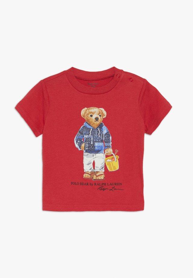 Camiseta estampada - sunrise red