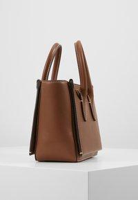 Polo Ralph Lauren - MINI SLOANE - Bolso de mano - saddle - 4